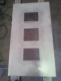 <h5>Schornstein-Abdeckung</h5><p>Nach Kundenwunsch aus Edelstahl angefertigt.</p>